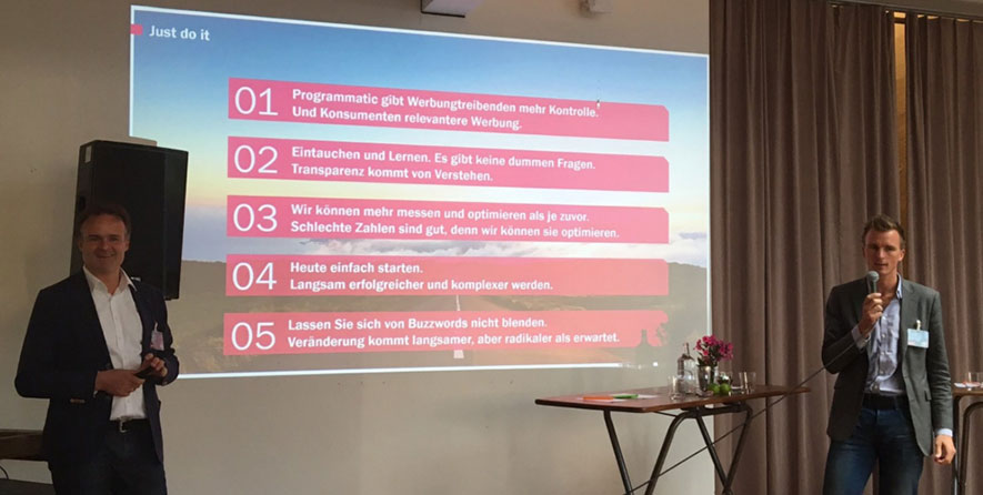 CEO Lennart Hintz referiert zum Thema Programmatic Buying